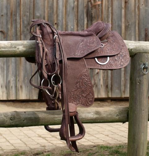 Missoula Nut Virginia Rose Barefoot Saddle Canada